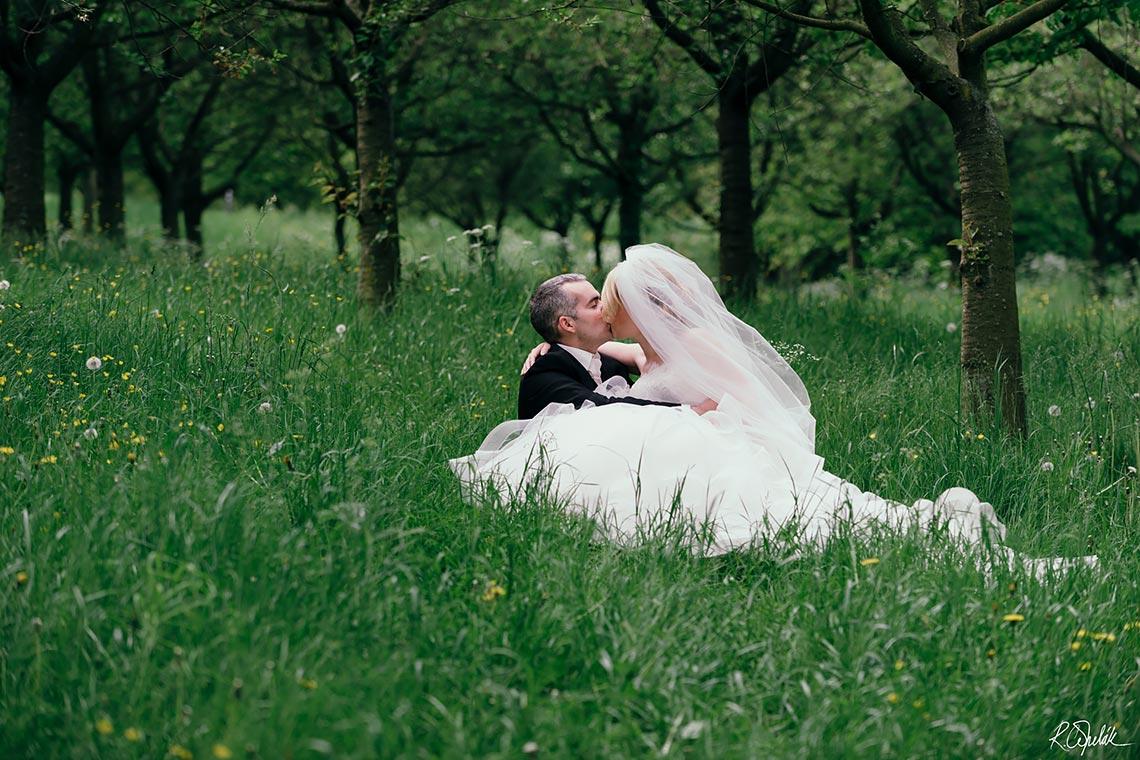 svatební fotografie novomanželů na Petříně